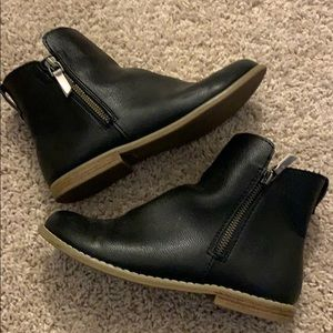 GAP leather booties size 4